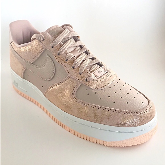 the best attitude c8646 15fbd Women's Nike Air Force 1 '07 Pink NWT NWT